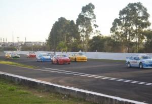 Largada da categoria Turismo 5000