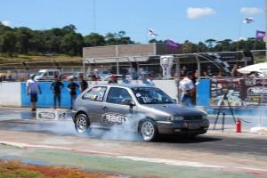 Carlos Eduardo Moreira, de Londrina, é o líder da categoria Dianteira Turbo B
