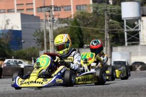 Pedro Aizza aproveita a final da Copa Pinhais para testar o equipamento em ritmo de corrida para a Copa Brasil