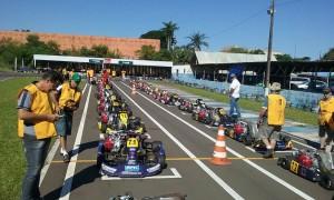A categoria F400 proporcionou um belo espetáculo na tarde de sábado em Londrina