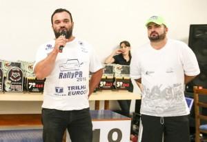 Vander Hirt, o Fritao, e o organizador da prova; e Marcelo Caiano, o locutor oficial