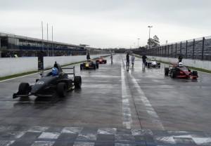 Marco Dias largou na pole e venceu as duas provas da Fórmula Premium