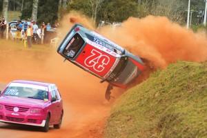 Gefferson de Lima protagonizou um dos acidentes mais espetaculares do fim de semana