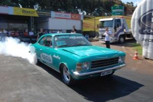 Vilson Ferreira, de Curitiba, é o mais rápido da pista de Maringá na categoria Street Turbo Traseira