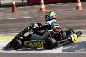 Alessandro Xavier conquista a vitória na categoria Sênior A