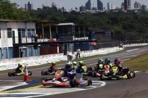 O pernambucano Kiko Porto largou na pole e venceu a categoria Júnior Menor de ponta a ponta