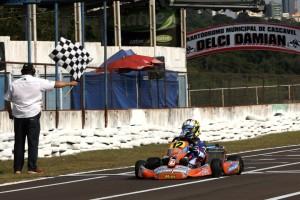 O pernambucano Kiko Porto fez festa em Cascavel e levou o título da categoria Júnior Menor