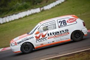 Willians Peres sagra-se campeão da categoria Turismo com uma fantástica temporada