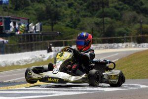 Luana Luersen representou bem o kartismo do Paraná, com o nono lugar na categoria Júnior Menor