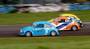 Os Fuscas continuam dando show no Autódromo de Londrina, com a categoria Speed Fusca integrando o Metropolitano