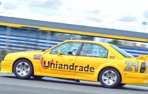 Anderson Andrade larga na frente no Paranaense de Turismo 5000 com vitória em Curitiba