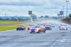 Gustavo Magnabsco andou na frente com pista molhada e pista seca e ganhou a categoria Marcas A