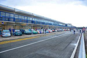 O Estadual de Marcas começa mostrando a força do automobilismo paranaense, lotando os boxes do Autódromo de Curitiba