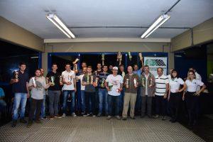 Os campeões do Paranaense e do Metropolitano de Curitiba foram premiados na sexta-feira à noite