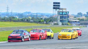 A categoria Turismo 5000 é garantia de espetáculo na abertura do Paranaense de Velocidade