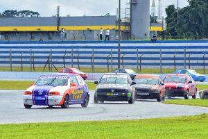 Gustavo Magnabosco lidera a categoria Marcas A com vitória de ponta a ponta em Curitiba