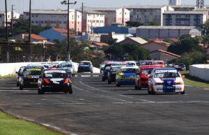 Com 25 carros no grid, a categoria Marcas teve um prova disputadíssima