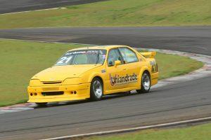 Anderson Andrade garantiu o título da categoria Turismo 5000 por um ponto