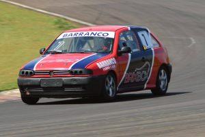 O curitibano Rafael Barranco pode ser campeão paranaense da categoria Marcas B em sua temporada de estrreia