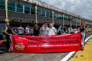Thiago Marques, promotor da Sprint Race, e Rubens Gatti, presidente da FPrA, participaram das ações da campanha em Londrina