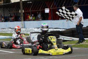 Leonardo Cruz ganhou a primeira prova da categoria Shifter
