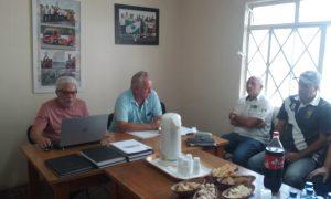 Gatti fez uma explanação das contas na assembleia dirigida por Odivaldo Alves, presidente do Automóvel Clube de Ponta Grossa