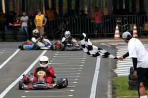 Leonil Oliveira Reis, de Londrina, conquistou a vitória na categoria F-4 Super Sênior