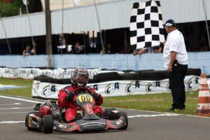 O londrinense Leonil Reis atravessa excelente fase na carreira e levou o título da categoria F-4 Super Sênior