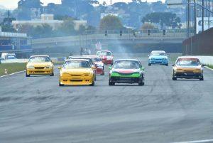 A categoria Turismo 5000 é sempre garantia de ronco forte dos motores e disputas acirradas