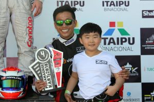 Isac e Eric Yang poderão ser campeões na tarde deste sábado em Foz do Iguaçu (Foto: Mario Ferreira)