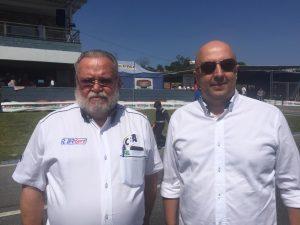 """Pedro Sereno e Valdinei """"Dadai"""" Bernardo anunciaram Cascavel como sede do Brasileiro de Kart de 2019 ontem, em Minas Gerais (Foto: Mario Ferreira)"""