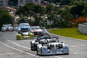 Aloysio Moreira, Osvaldo Ferreira e Bley Júnior, com o Spyder #38, voltaram a colocar Londrina no lugar mais alto do pódio nas 500 Milhas (Foto: Vanderley Soares)