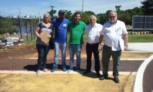 Dirigentes do Kart Clube de Cascavel, com Rubens Gatti e Pedro Sereno (Foto: Divulgação)
