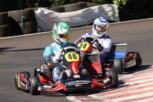 Yuri Mucelin e Diego Balem duelo na categoria 125cc (Foto: Mario Ferreira)