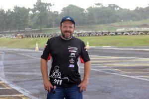 Wagner Monteiro, presidente do Kart Clube de Cascavel, trabalha para que o Brasileiro de Kart tenha aproximadamente 500 pilotos (Foto: Mario Ferreira)