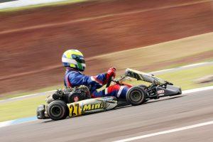 Luciano Garcia, de Campo Grande (MS), estreou no Metropolitano de Cascavel com vitória na categoria F-4 Super (Foto: Mario Ferreira)