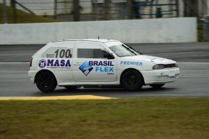 A categoria Turismo C tem a dupla Roberto Bonato/Evandro Maldonado na primeira colocação (Foto: Victor Lara)