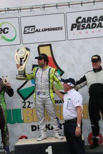 O londrinense Carlos Saderi comemorou o título da categoria Super Sênior (Foto: Genésio da Silva)