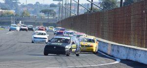 O Autódromo de Curitiba receberá mais de uma centena de carros paras as decisões do Paranaense e do Metropolitano de Velocidade (Foto: Victor Lara)