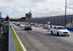 A categoria Turismo B começa o ano com 29 pilotos no grid (Foto: Bispo Neto)