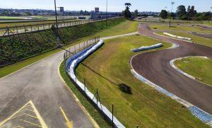 O Kartódromo Raceland Internacional sedia o Paranaense de Kart sexta-feira e sábado (Foto: Divulgação)
