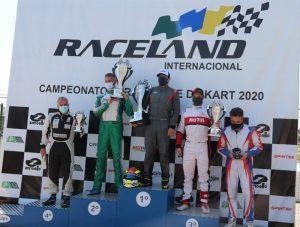 Pódio da categoria KZ Sênior no Paranaense de Kart (Foto: Divulgação)