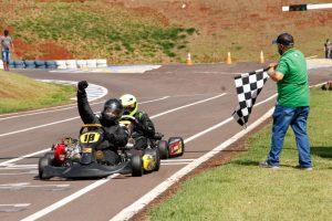 O toledano Diogo Cavalcante sagrou-se campeão da categoria F-4 Light (Foto: Tiago Guedes/Divulgação)