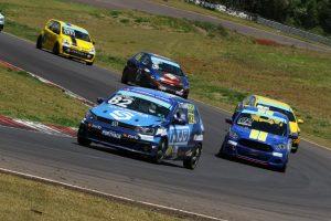 O trio Guilherme Sirtoli/Leônidas Fagundes/Júnior Niju ficaram com o terceiro lugar (Foto: Cláudio Kolodziej)