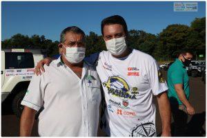 Bento Tino, vice-presidente da FPrA, foi uma das autoridades desportivas que recepcionaram o governador Ratinho em Foz do Iguaçu (Foto: Abel da Banca)