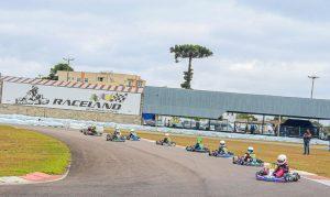 A categoria Cadete reuniu belo grid e teve empolgantes disputas no Raceland Internacional (Foto: Divulgação)