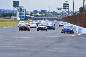 O Paranaense de Velocidade começa em Curitiba, com expectativa de bons grids nas cinco categorias (Foto: Victor Lara)