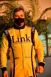 Sanito de Andrade Cruz Júnior receberá o troféu de campeão da categoria Turismo A (Foto: Victor Lara)