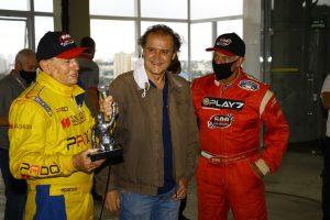 Luciano Borghesi, Silvio Zambello e Beto Borghesi, duas familiares tradicionais do automobilismo brasileiro (Foto: Divulgação)
