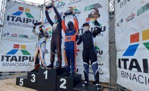 Rodrigo D`Agostini, Artur Júnior, Nicolas Zaparolli e Alan Bueno formaram o pódio da categoria F-4 Sênior na última etapa do campeonato (Foto: Divulgação)